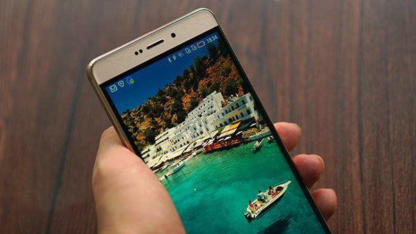 《金甲执盾手:海信金盾手机体验评测》一文中,曾对金盾手机进行3d游戏